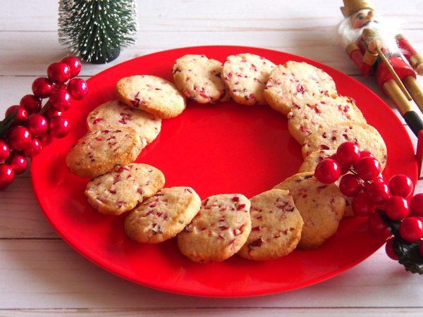 fresh-cranberry-shortbread-cookies-girlinchief-7