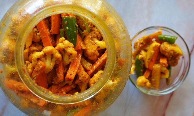 Gajar Mooli ka Achar | Winter Special Carrot Radish Pickle